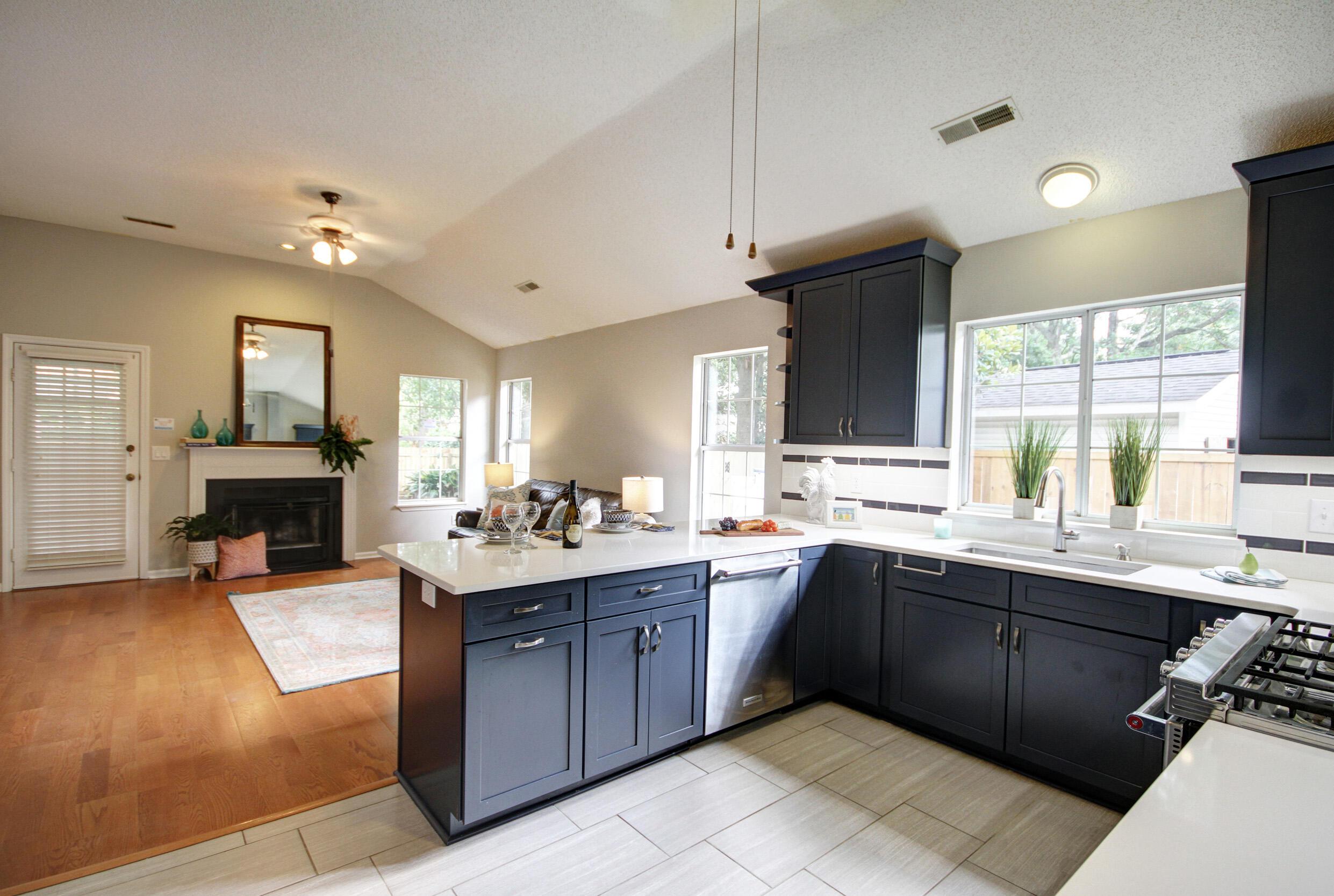 Longpoint Homes For Sale - 2013 Arundel, Mount Pleasant, SC - 12