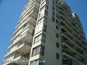 Departamento En Venta En Santiago, Las Condes, Chile, CL RAH: 15-92