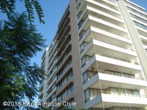Departamento En Venta En Santiago, Providencia, Chile, CL RAH: 15-120