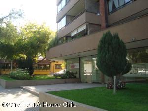 Local Comercial En Arriendo En Santiago, Las Condes, Chile, CL RAH: 16-11