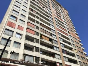 Departamento En Ventaen Santiago, Santiago Centro, Chile, CL RAH: 16-13