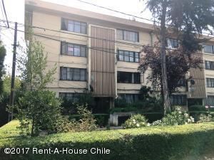 Departamento En Venta En Santiago, Nuñoa, Chile, CL RAH: 17-8