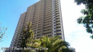Departamento En Arriendo En Santiago, Nuñoa, Chile, CL RAH: 17-35