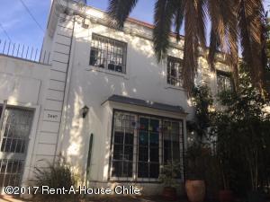 Casa En Venta En Santiago, Providencia, Chile, CL RAH: 17-69