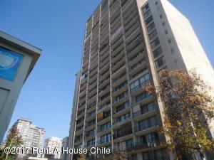 Departamento En Arriendo En Santiago, Santiago Centro, Chile, CL RAH: 17-74
