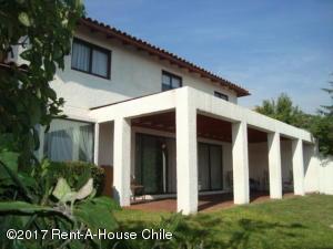 Casa En Ventaen Santiago, Peñalolen, Chile, CL RAH: 17-96