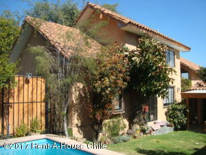 Casa En Ventaen Santiago, Las Condes, Chile, CL RAH: 17-117