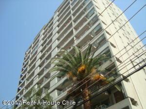 Departamento En Arriendoen Santiago, Nuñoa, Chile, CL RAH: 17-119