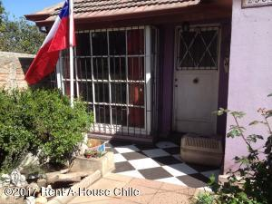 Casa En Ventaen Santiago, Quinta Normal, Chile, CL RAH: 17-124