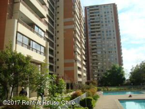 Departamento En Arriendoen Santiago, Las Condes, Chile, CL RAH: 17-125