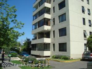 Departamento En Arriendoen Santiago, Las Condes, Chile, CL RAH: 17-138
