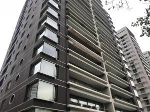 Departamento En Arriendoen Santiago, Las Condes, Chile, CL RAH: 17-141