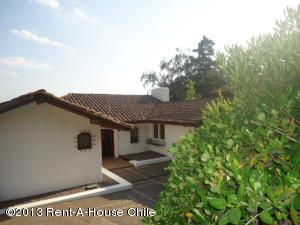 Casa En Arriendoen Santiago, Vitacura, Chile, CL RAH: 17-153