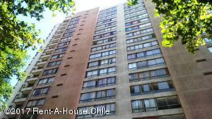 Departamento En Arriendoen Santiago, Santiago Centro, Chile, CL RAH: 17-173