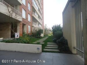 Departamento En Arriendoen Santiago, Las Condes, Chile, CL RAH: 17-174