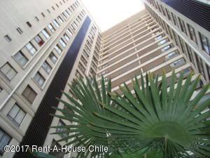 Departamento En Arriendoen Santiago, Recoleta, Chile, CL RAH: 17-178