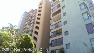 Departamento En Arriendoen Santiago, Nuñoa, Chile, CL RAH: 17-189