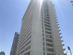 Departamento En Arriendoen Santiago, Las Condes, Chile, CL RAH: 18-19