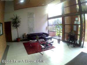 EN CHILE: Departamento En Venta En Macul Código FLEX: 18-94  No.2