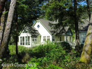 596 Antler Rd, Cannon Beach, OR 97110