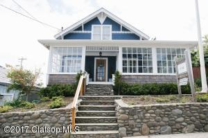 237 9th Ave, Seaside, OR 97103