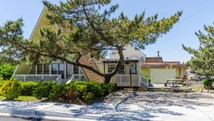 100 Winter Harbor Dr, Ocean City, MD 21842