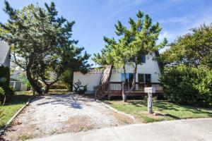 8703 W Biscayne Dr, Ocean City, MD 21842