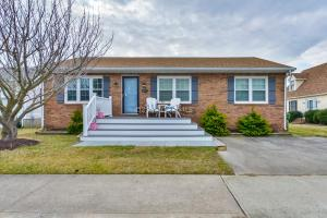 617 94th St, Ocean City, MD 21842