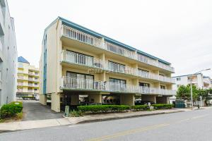 9 60th St 302, Ocean City, MD 21842