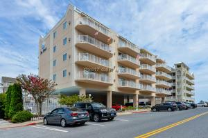 4 142nd St 302, Ocean City, MD 21842