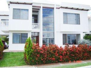 Casa En Venta En Melgar, Melgar, Colombia, CO RAH: 11-523