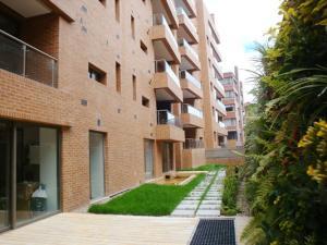 Apartamento En Venta En Bogota, Rosales, Colombia, CO RAH: 13-188