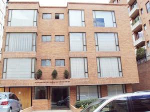 Apartamento En Venta En Bogota, Chico, Colombia, CO RAH: 14-379
