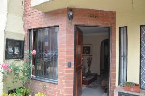 Casa En Venta En Bogota, La Pradera, Colombia, CO RAH: 15-94