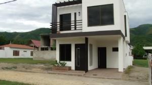 Casa En Venta En Girardot, Girardot, Colombia, CO RAH: 15-108