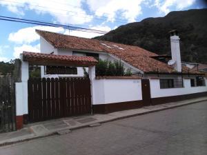 Casa En Venta En Cota, El Abra, Colombia, CO RAH: 15-113
