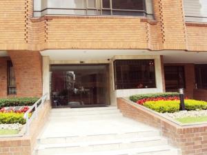 Apartamento En Venta En Bogota, Santa Bárbara, Colombia, CO RAH: 15-168