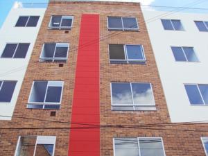 Apartamento En Venta En Bogota, Estrada, Colombia, CO RAH: 15-207