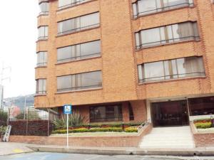 Apartamento En Venta En Bogota, Santa Bárbara, Colombia, CO RAH: 15-237