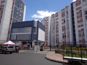 Apartamento En Venta En Bogota, Castilla, Colombia, CO RAH: 15-286