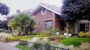 Casa En Venta En Chia, Chia, Colombia, CO RAH: 15-325