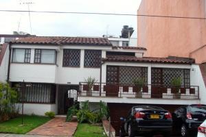 Casa En Arriendo En Bogota, Santa Paula, Colombia, CO RAH: 15-361