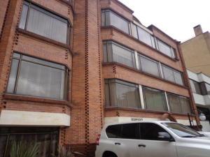 Apartamento En Venta En Bogota, Chico Navarra, Colombia, CO RAH: 14-52