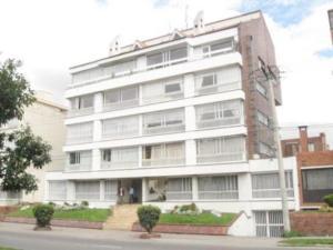 Apartamento En Venta En Bogota, Santa Bárbara, Colombia, CO RAH: 16-29