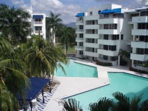 Apartamento En Arriendo En Girardot, Girardot, Colombia, CO RAH: 16-54