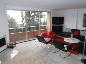 Apartamento En Venta En Bogota, Rosales, Colombia, CO RAH: 16-78