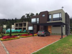 Casa En Venta En Sopo, Kubik Verde, Colombia, CO RAH: 16-124