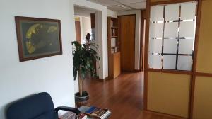 Oficina En Venta En Bogota, Santa Bárbara, Colombia, CO RAH: 16-131