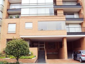 Apartamento En Venta En Bogota, Santa Bárbara, Colombia, CO RAH: 16-135