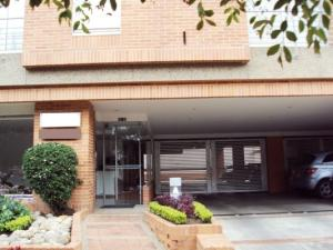 Apartamento En Venta En Bogota, San Patricio, Colombia, CO RAH: 16-136